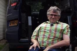 Gehandicaptenvoorman Jan Troost uit Wijchen nu zelf afhankelijk van hulp