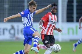 Jong PSV verliest Eindhovense derby, Helmond verliest in laatste minuut