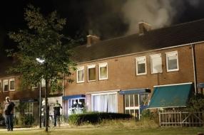 Restanten hennepkwekerij gevonden na brand in huis Grave, politie onderzoekt brandstichting